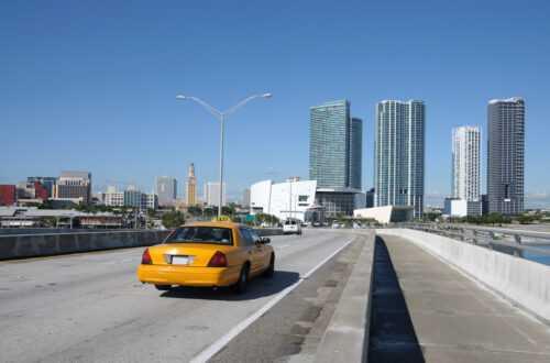 Как поймать такси в аэропорту Майами