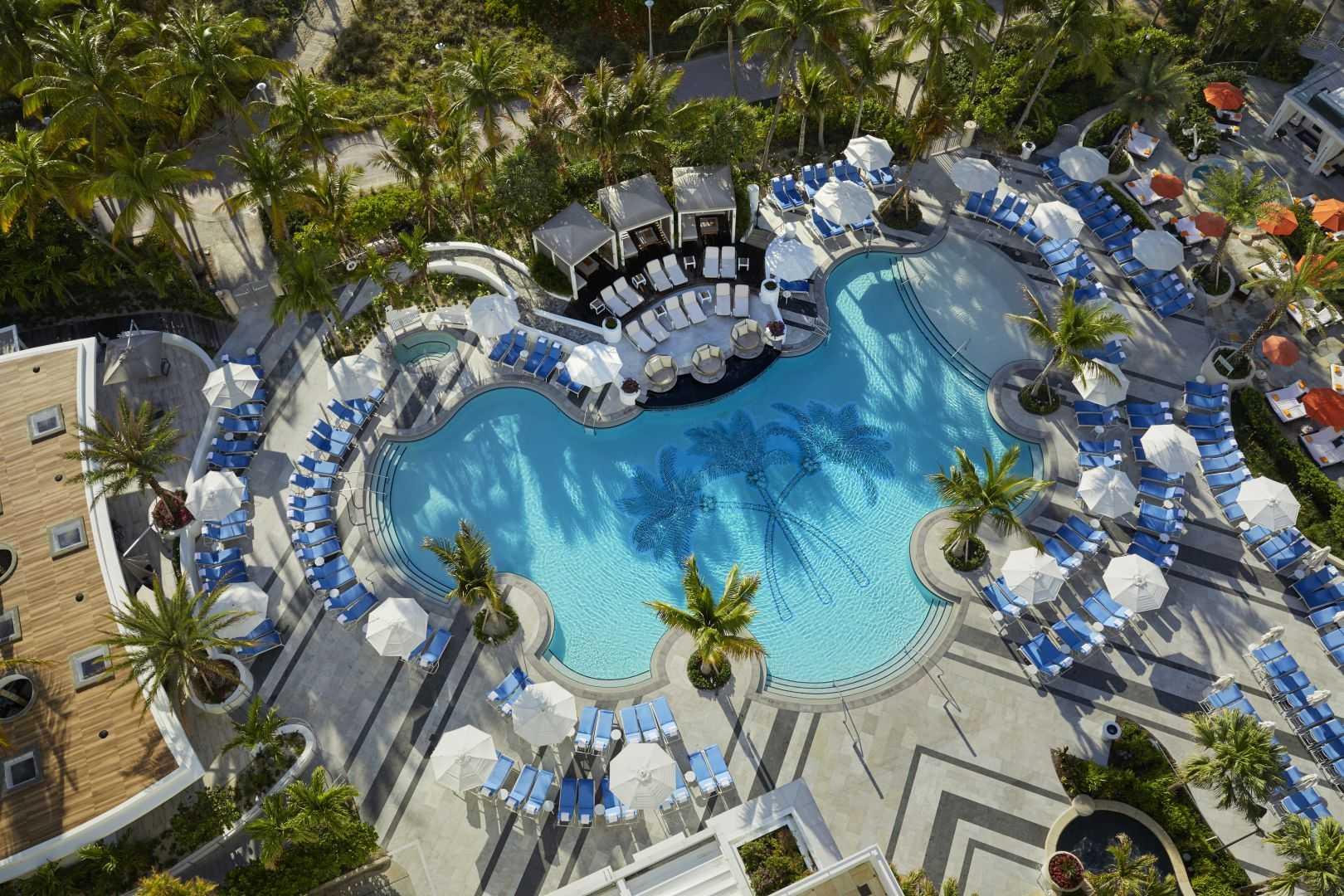 Отель Loews Miami Beach 5* Reception Pool
