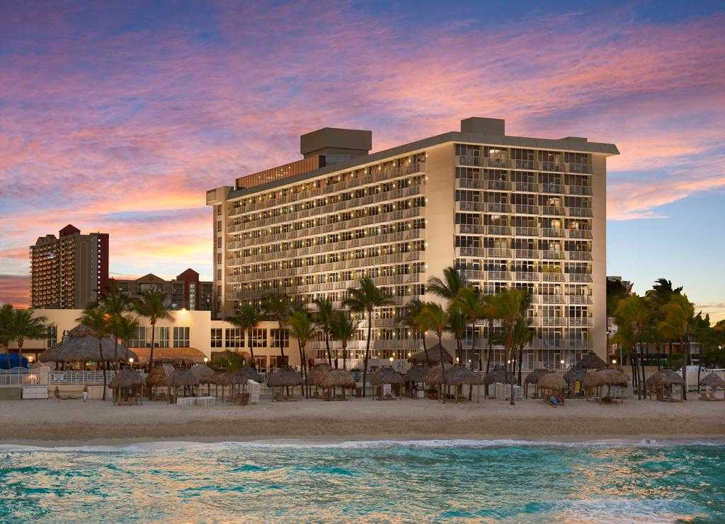 Отель Newport Beachside Hotel & Resort
